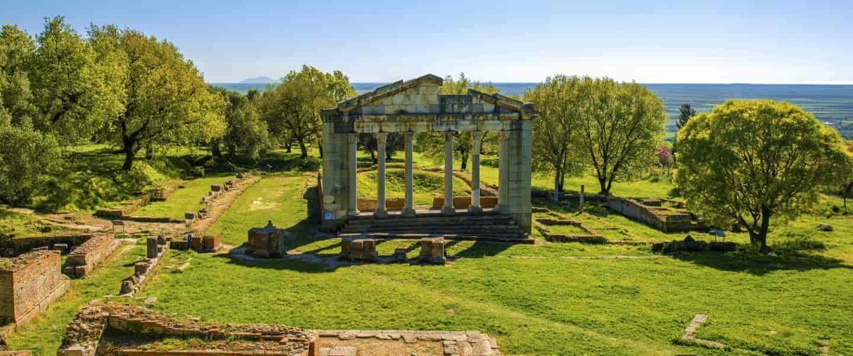 Tempel ruiner i Ancient Apollonia i Albanien - Risskov Rejser