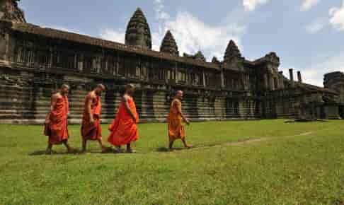 buddhistiske munke ved Angkor Wat.