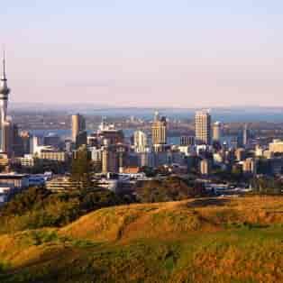 Auckland og det 328 m høje Sky Tower - Risskov Rejser