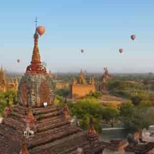 Ballonflyvning i Bagan