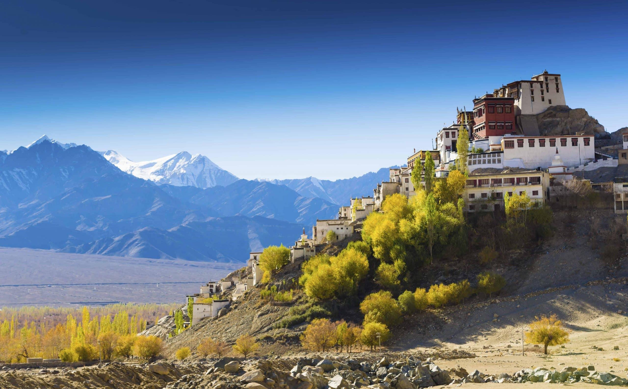 Under Himalayas tinder - Risskov Rejser