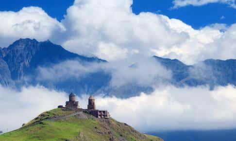 Treenighedskirken ligger i 2.170 m højde - Risskov Rejser