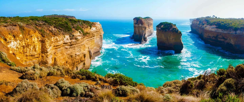 Twelve Apostles rocks by Great Ocean Road in Victoria, Australien - Risskov Rejser