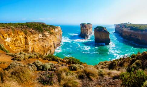 Twelve Apostles rocks by Great Ocean Road in Victoria, Australien - Risskov Rejser