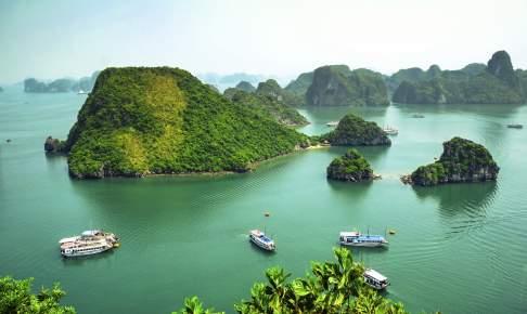 Den betagende smukke Ha Long-bugt - Risskov Rejser