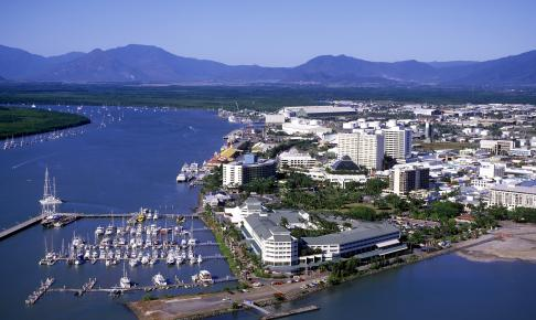 Havnefronten i Cairns - Risskov Rejser