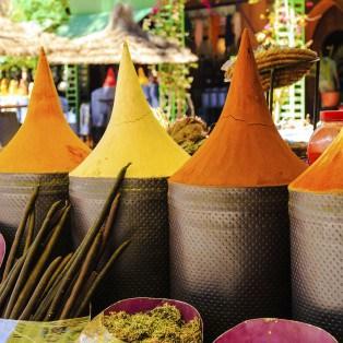 Stærke krydderier fra et marked i Marokko - Risskov Rejser
