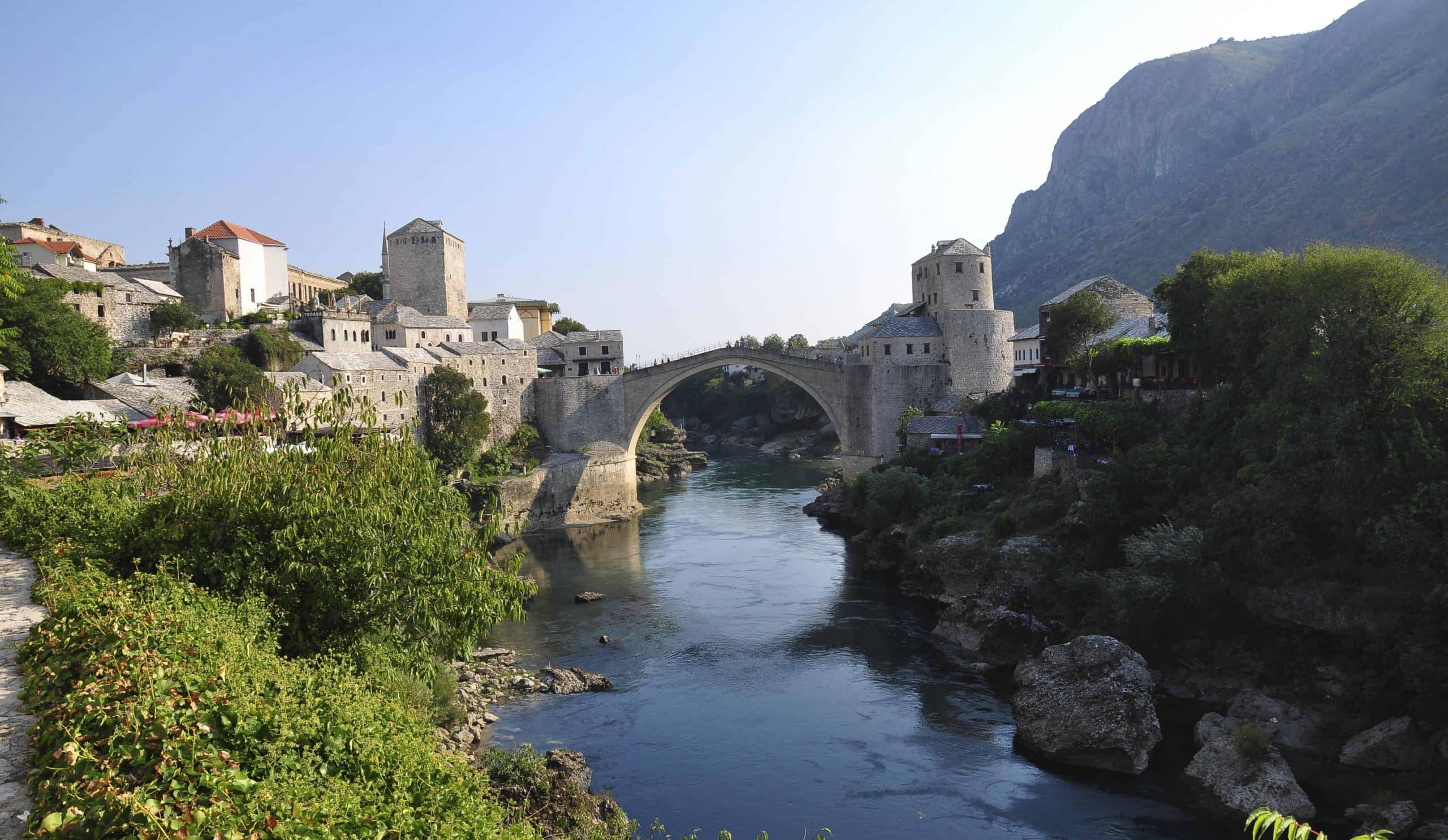Den berømte bro Stari Most i Mostar Bosnien
