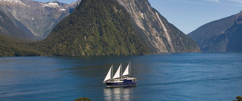 Fiordland National Park. Milford Sound, New Zealand - Risskov Rejser