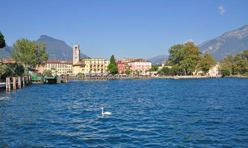 Gardone Riviera på vestsiden af Gardasøen