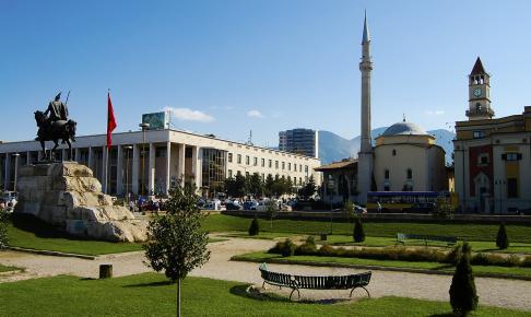 Tirana i Albanien - Risskov Rejser