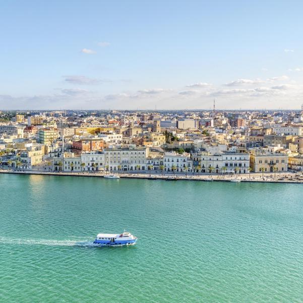 Udsigt over smukke Brindisi i Syditalien - Risskov Rejser