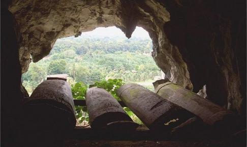 Trækister set fra grotten - Risskov Rejser