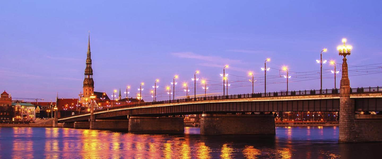 Udsigt over Letlands smukke bro - Risskov Rejser