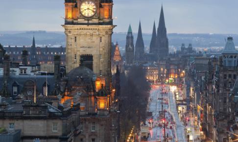 Edinburgh Clock Tower Skotland - Risskov Rejser