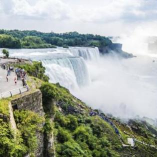 Det berømte vandfald Niagara Falls - USA - Risskov Rejser