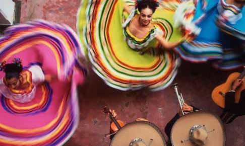 Farverige kjoler - Mexico - Risskov Rejser