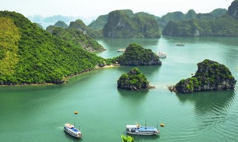 Den betagende Ha Long-bugt, Vietnam - Risskov Rejser