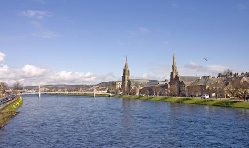 Inverness and river Ness - Risskov Rejser