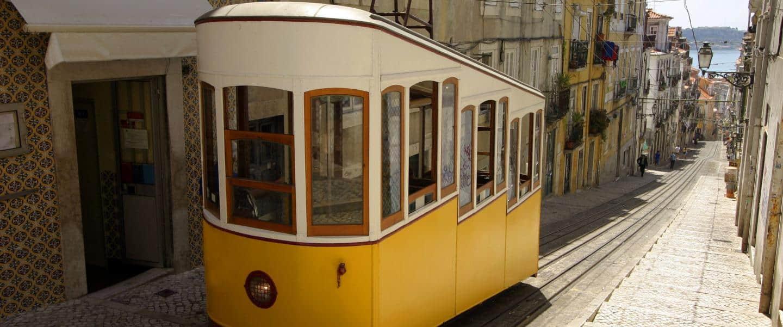 Gul sporvogn i Lissabon