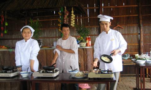 Lær at lave vietnamesisk mad på en kokkeskole - Risskov Rejser