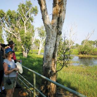 Folk i Kakadu National Park Australien