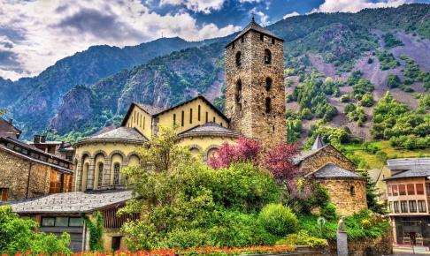 Sant Esteve kirken i Andorra la Vella - Risskov Rejser