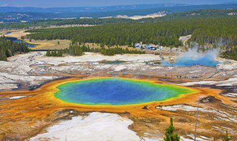 The Famous Grand Prismatic Spring in Yellowstone National Park, USA - Risskov Rejser