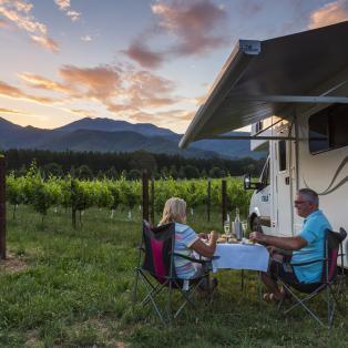 Nyd et glas vin imens solen går ned - Australien - Risskov Rejser