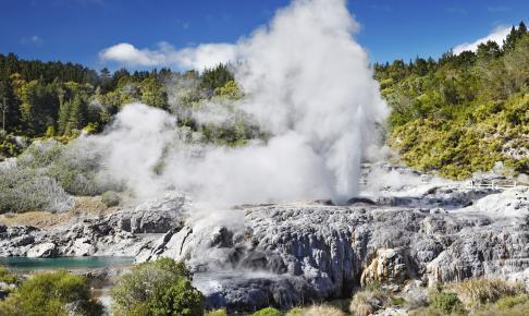 Pohutu Geyser, New Zealand - Risskov Rejser