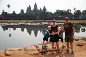 Josefine Gudmann ved Angkor Wat i Cambodja - Risskov Rejser