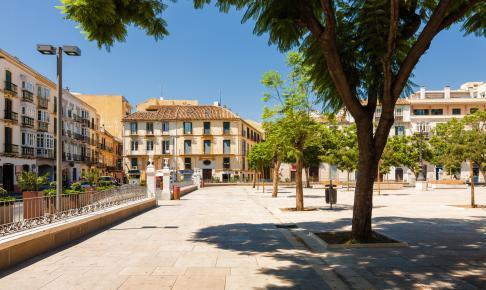 Plaza de la Merced i Malaga hvor der tit er markeder - Risskov Rejser
