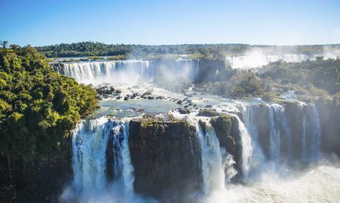 Verdens største vandfald er Iguazú-vandfaldet - Risskov Rejser