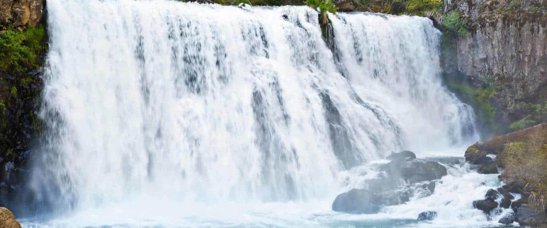 Middle McCloud Falls, Northern California - Risskov Rejser