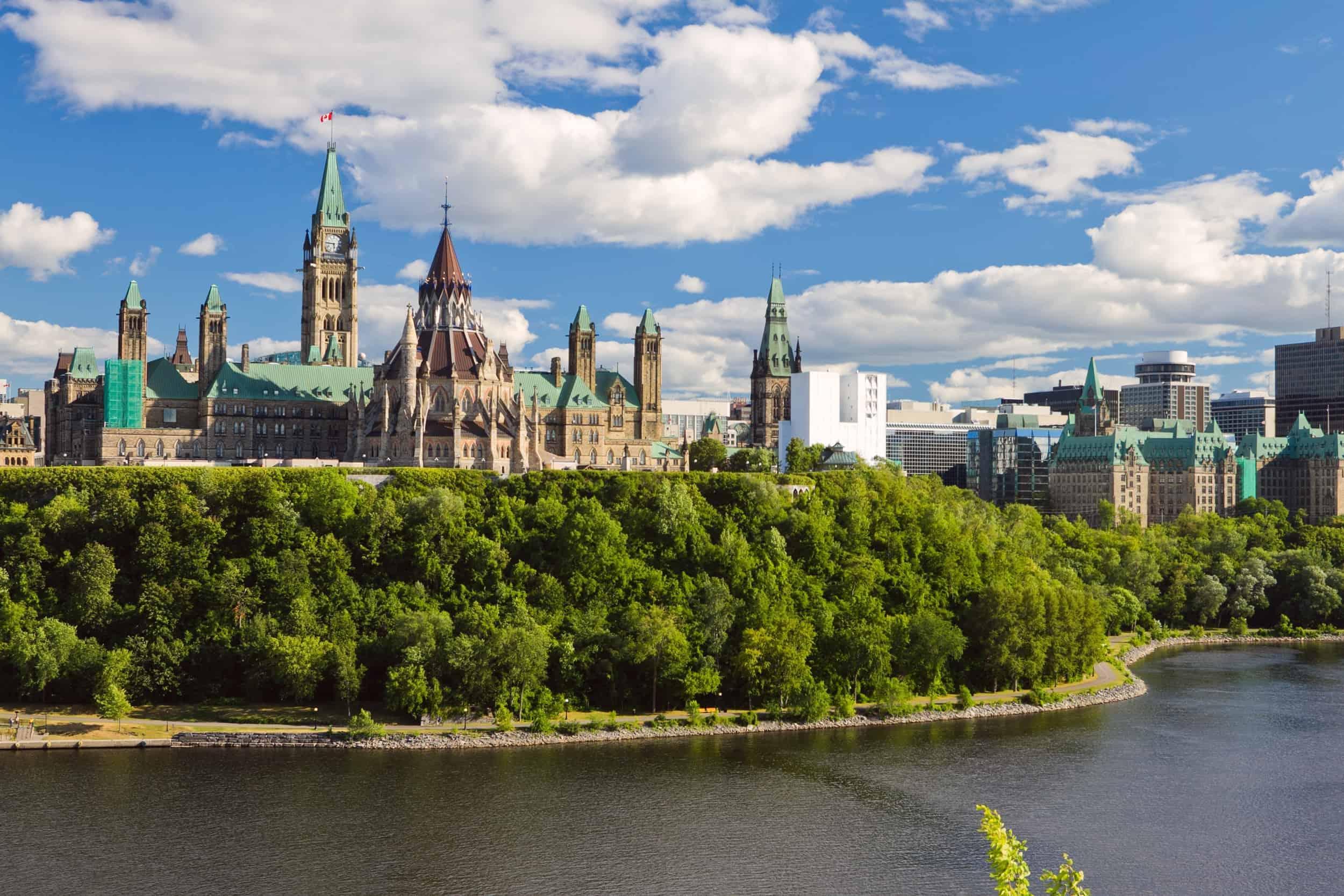 Det canadiske parlament og Rideau-kanalen