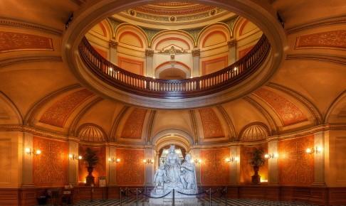 California State Capitol Rotunda, Sacramento, California - Risskov Rejser