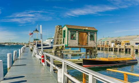 Hyggelig havnemole i New Port – motorhomeferie i New England