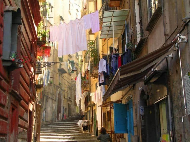 Laundry in Naples - Italien - Risskov Rejser