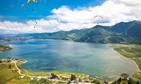 Fewa lake in Pokhara, Nepal - Risskov Rejser