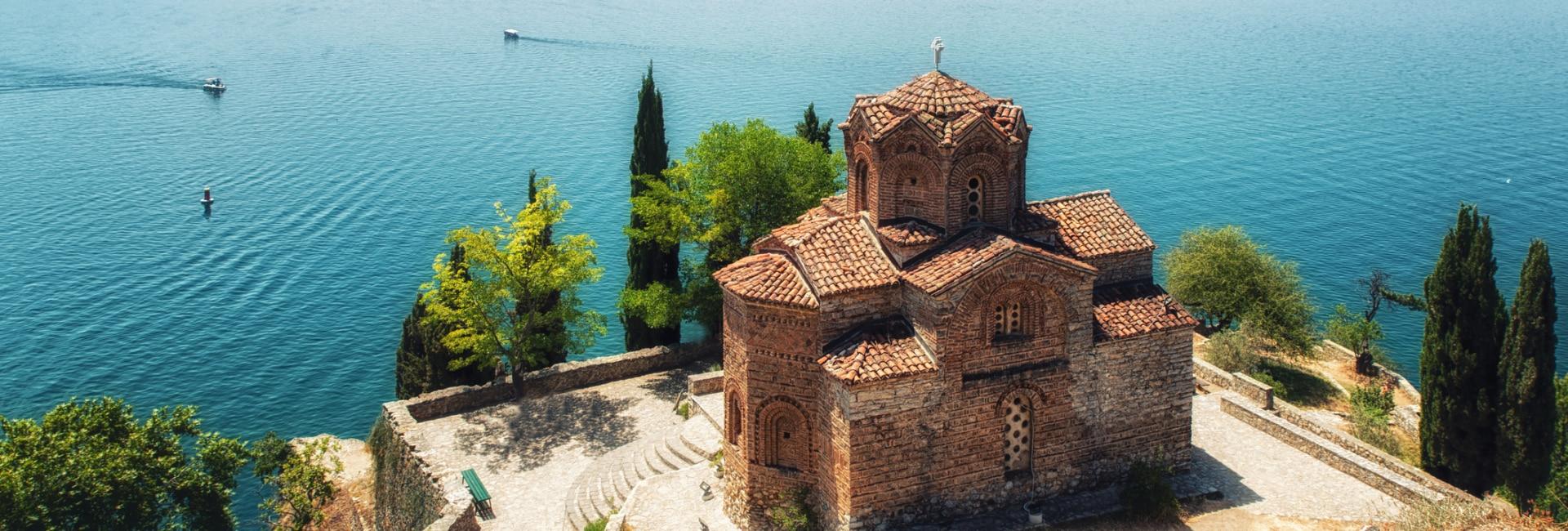 Kirken St Jovan Kaneo med udsigt over Ohrid floden, Makedonien
