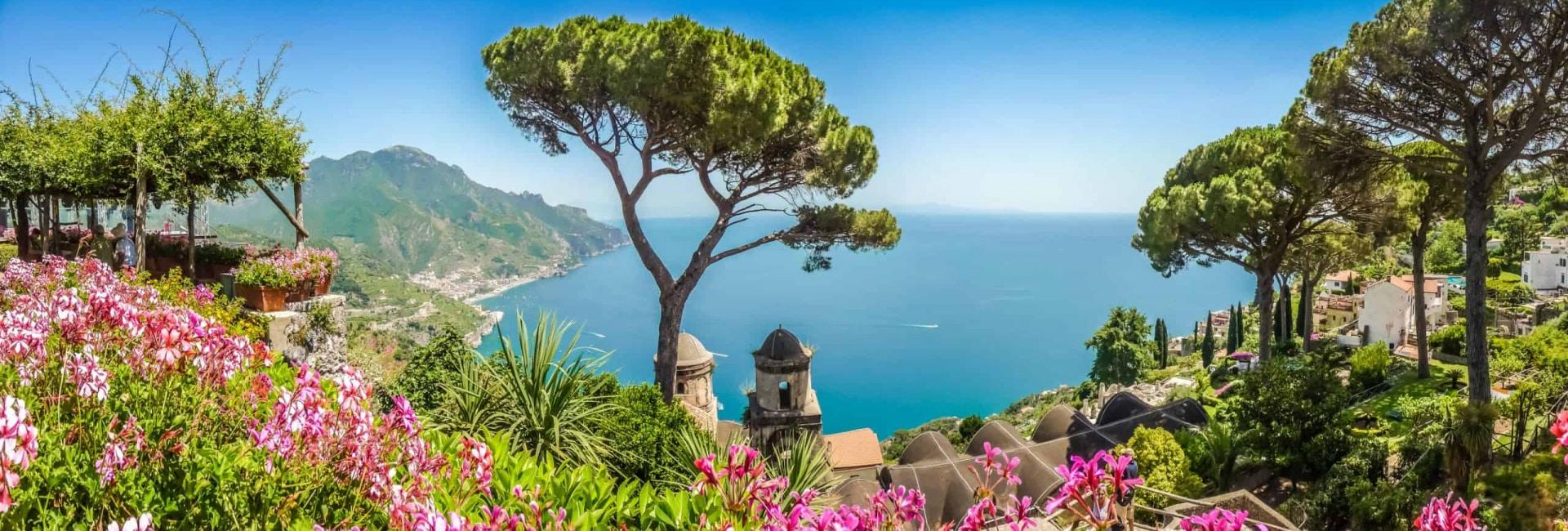 Panoramisk udsigt fra Ravello i Italien