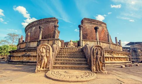 Den smukke ruinby Polonnaruwa på Sri Lanka - Risskov Rejser